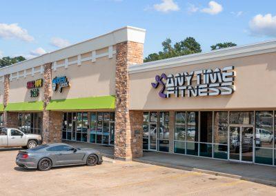 Lufkin Palms shopping center in Lufkin Texas featuring BPL Plasma