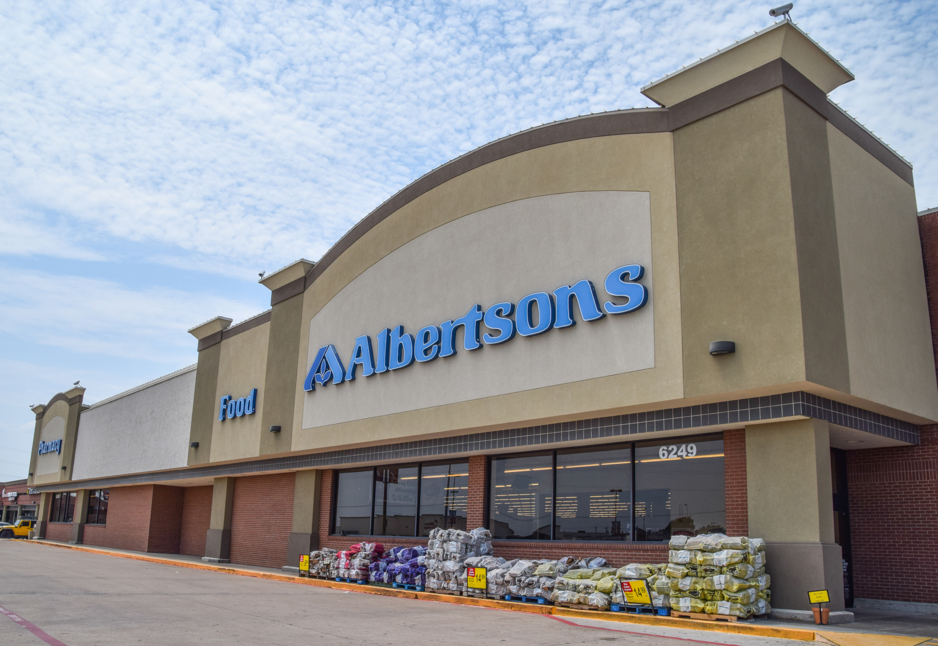 Albertson's, the grocery store anchor at the Watauga Albertsons shopping center in Watauga TX
