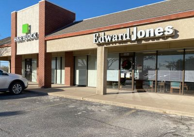 Edward Jones and H&R Block, two stores in the Sherwood Commons shopping center in San Angelo TX