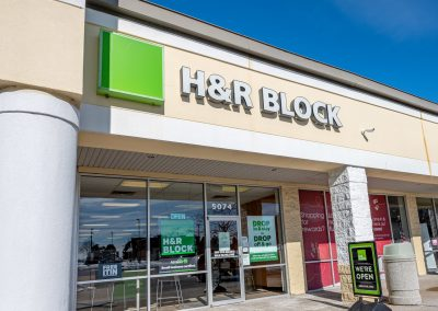 H&R Block, a tax preparation service in the West Acres Commons shopping center in Flint Township, MI