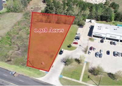 Land outline of 3925 Highway 64 W in Tyler TX