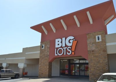 College Park shopping center in Weatherford TX featuring Big Lots