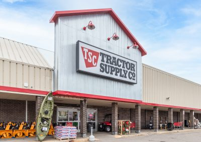 Cheboygan Plaza shopping center anchor tenant Tractor Supply in Cheboygan Michigan